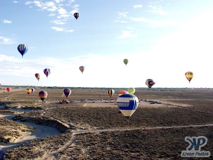 cd130-d23.jpg - Hot air balloons