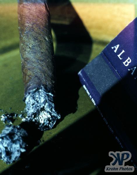 cd15-s20.jpg - Cigar