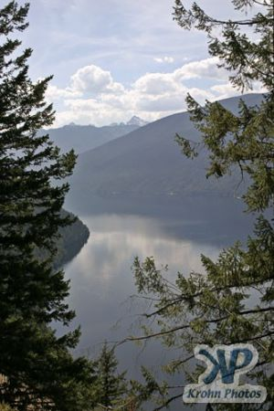 cd170-d09.jpg - Slocan Lake