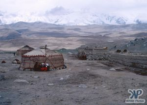 cd1040-s03.jpg - Yurts