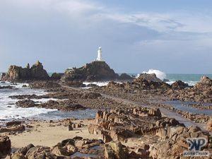 cd22-d14.jpg - Lighthouse