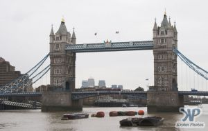 cd121-d04.jpg - Tower Bridge