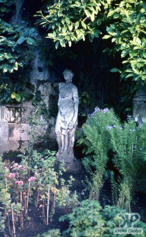 cd20-s28.jpg - English Garden