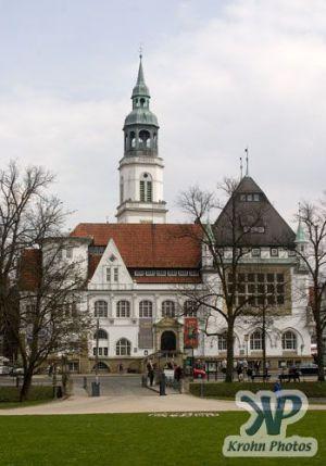 cd90-d10.jpg - Town Hall
