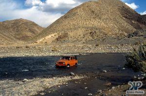 cd65-s22.jpg - Fording a river