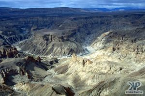 cd10-s09.jpg - Fish River Canyon