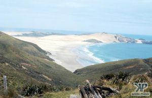 cd35-s03.jpg - Deserted sandy beaches