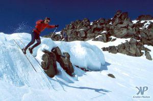 cd35-s07.jpg - Skiing