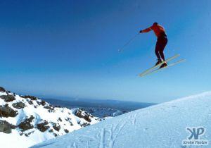 cd35-s08.jpg - Skiing