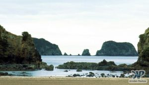 cd35-s27.jpg - Bay of Islands