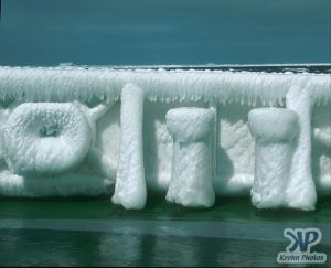 cd1026-s05.jpg - Ice