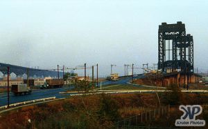 cd133-s05.jpg - Unknown Bridge