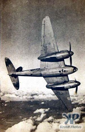 cd2001-pc17.jpg - De Havilland Mosquito