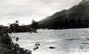 cd2002-pc10.jpg - Skeena River