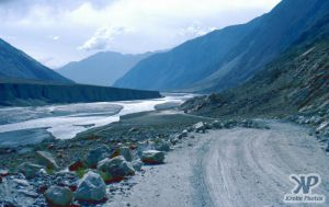 cd03-s19.jpg -  Highway through a northern valley