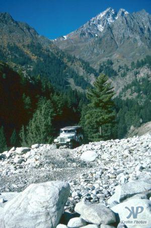 cd03-s22.jpg -  Approaching a mountain pass