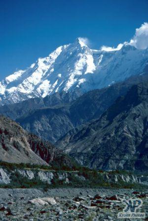cd04-s09.jpg - Himalayan peak