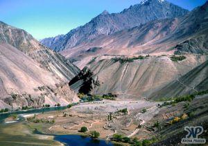 lake-s24b1.jpg - A lake in NW. Pakistan