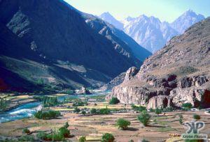 river-s3b1.jpg - River Valley