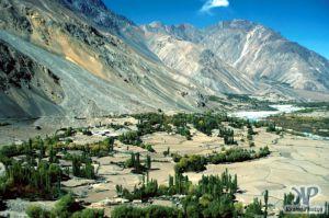valley-s24b1.jpg - A Pakistani Valley