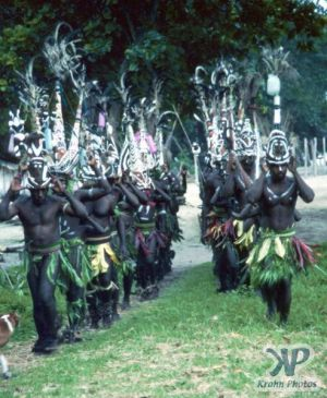 cd45-s26.jpg - Dancers