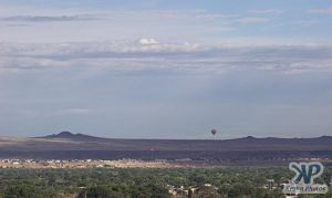 cd32-d02.jpg - Ballooning over Albuquerque
