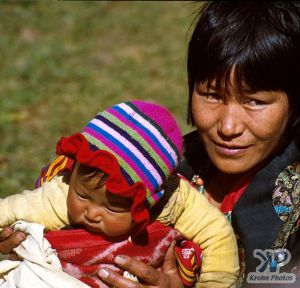 cd1015-s04.jpg - Mother and Child